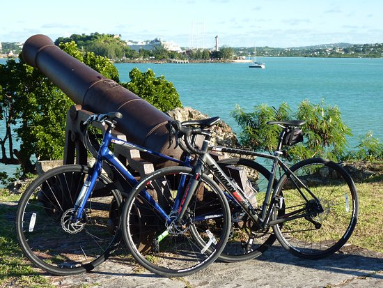 Cycling Tours Antigua: Down at Fort James