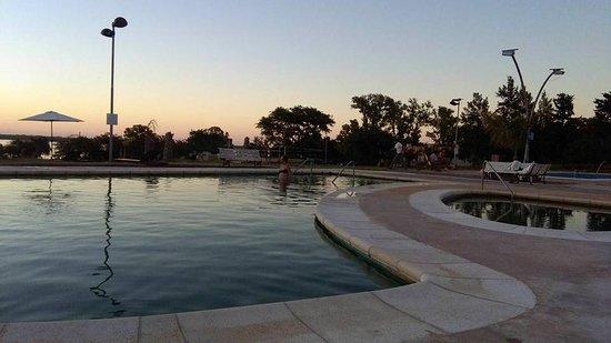 otra de las piscinas externas