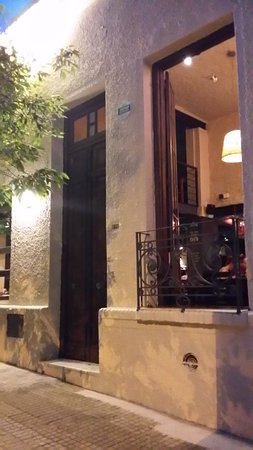1f1a3c4f2 Chegando ao restaurante e olhando de fora - Picture of La Otra ...