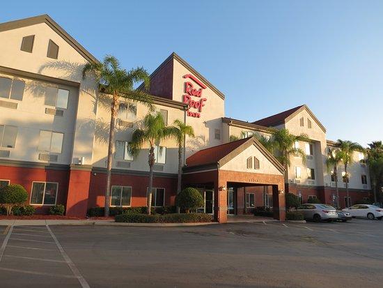 Ocoee, FL: Entrance to the hotel.