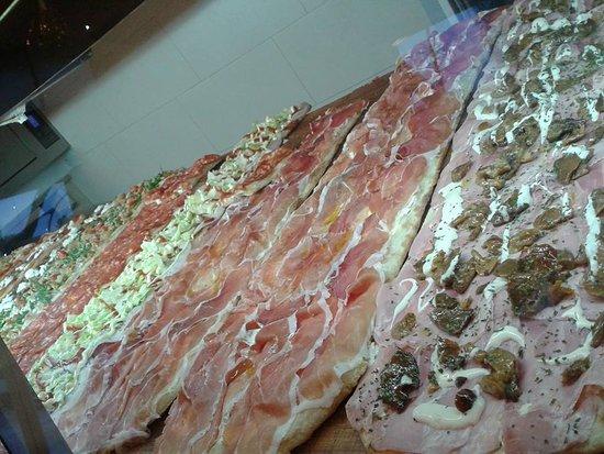 Pizzeria Don Miguel: vitrine de pizzas