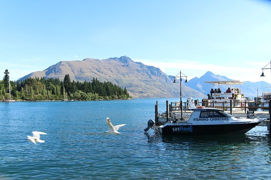 Rydges Lakeland Resort Hotel Queenstown: hotel is very close to the habour