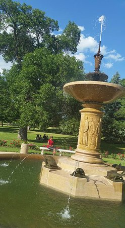 Lyndale Park Rose Garden Minneapolis All You Need To Know Before You Go With Photos