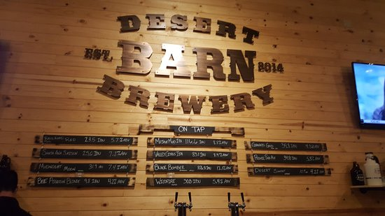 Hesperia, Californië: Desert Barn On-Tap Beers