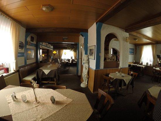 Sande, Tyskland: Clubraum!!! 44 Personen können Platz nehmen im u Format...