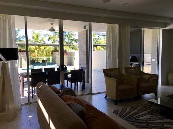 Coconut Grove Apartments: photo6.jpg