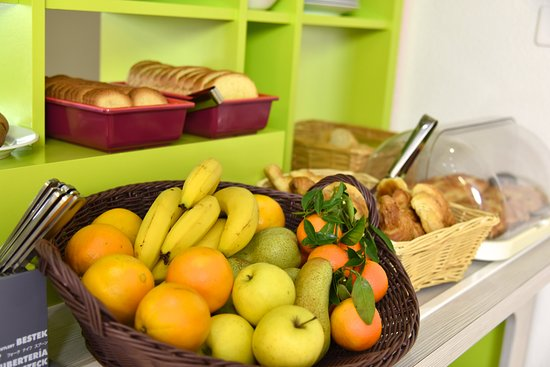 Sweet and Smart Hotel: Buffet