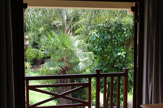 Centurion, South Africa: Lilly room garden view