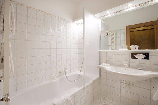 Hotel Sonnenburg: Badezimmer Landhaus
