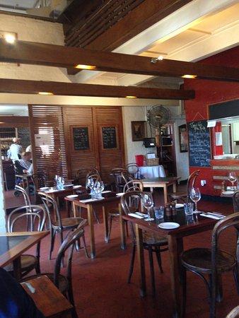 Jimmy Watson's Wine Bar: Quaint dinning room very appealing