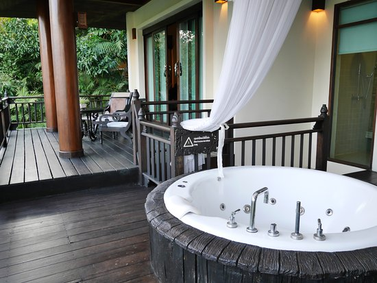 Panviman Chiang Mai Spa Resort: Outdoor Jacuzzi