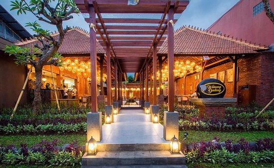 توبان, إندونيسيا: Interior at Waroeng Dadong