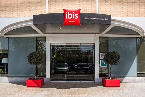 Ibis Barcelona Molins de Rei Photo