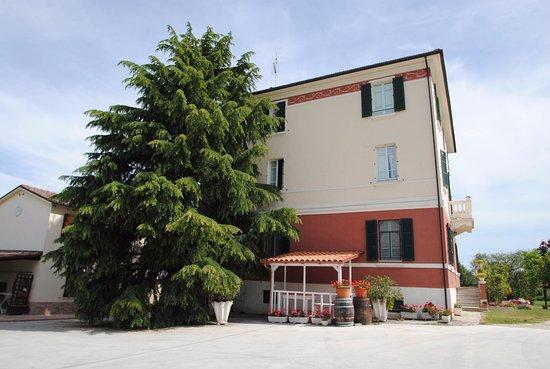 Montalto delle Marche, Italië: Villa Ovest