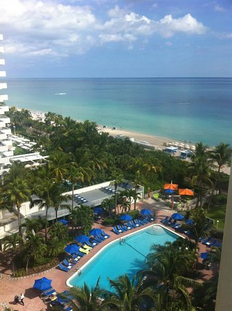 Holiday Inn Miami Beach Photo