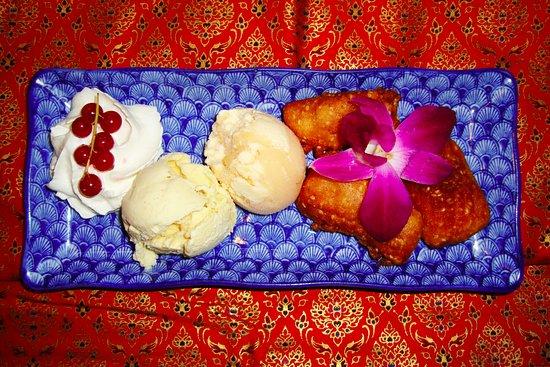 Erawan : Fried banana with icecream