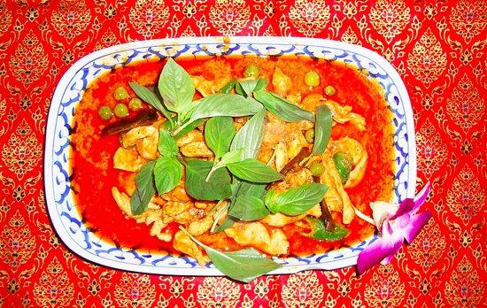 Erawan : Chicken Red Curry