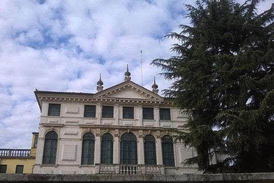Palazzo Tron