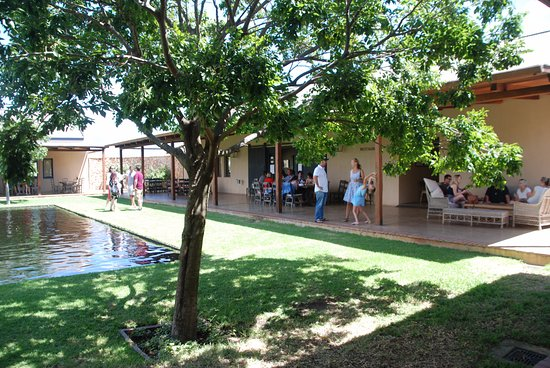 Bot River, Sudáfrica: The main courtyard and dining cloister!
