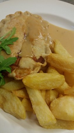 Munslow, UK: Homemade Chicken Pie and Triple Cooked Chips