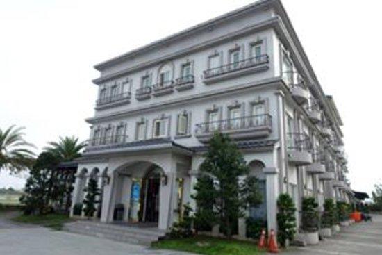 Spring Fountain Hotel: 異國風情主題外觀的別墅