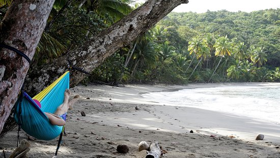 Calibishie, Dominica: Relaxing on a nearby beach