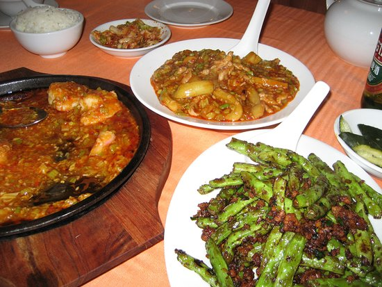 The Red Pepper : flash rather overwhelmed the colour, but string beans & the hot garlic aubergine we like that sa
