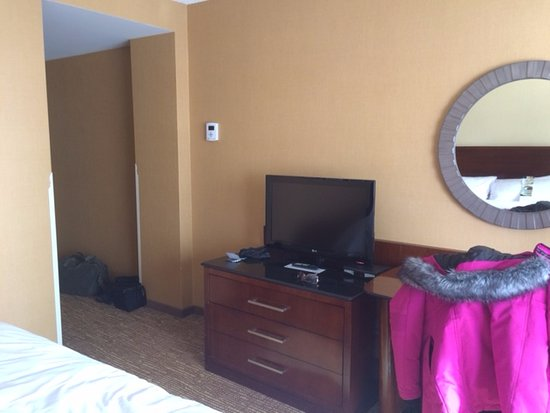 Montreal Marriott Chateau Champlain : TV a bit to small and too low!