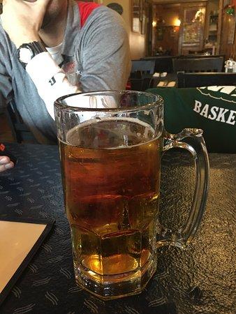 Lacey's Bridge Tavern: $6 for a 34oz Bud!!!