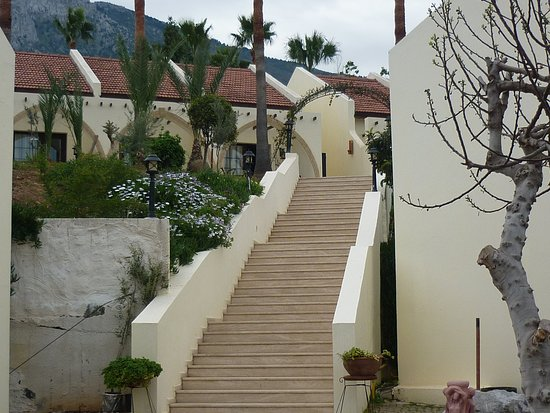 Bellapais Monastery Village: Steps between mini villas levels 1 and 2