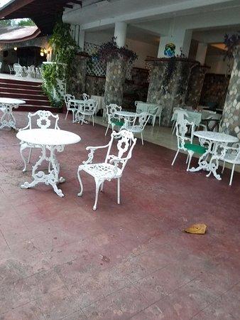 Silver Seas Resort Hotel: restaurant/bar
