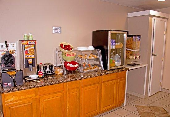 Buffalo, TX: Breakfast Area