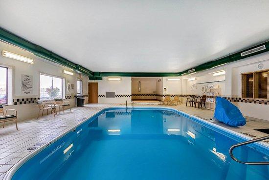 Emporia, KS: Pool