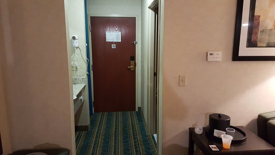 Pittsfield, MA: Room Entrance