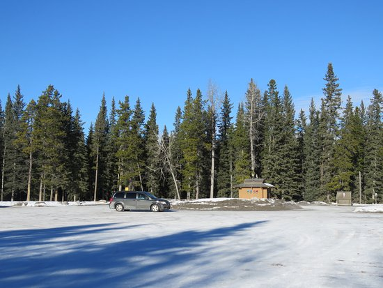 Bragg Creek, Canada: Lots of parking and pit toilets