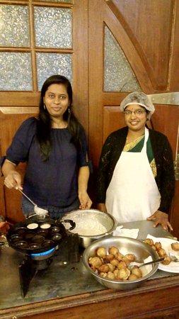 Taj Savoy Hotel, Ooty: Preparing Paniyaram