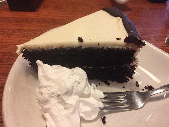 Highland Cafe and Bakery: Chocolate cake