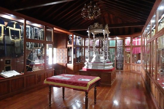 Garachico, Spain: Ecclesiastical items in church's Sacred Museum