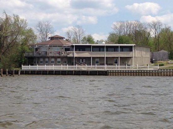Dockside Restaurant: River View
