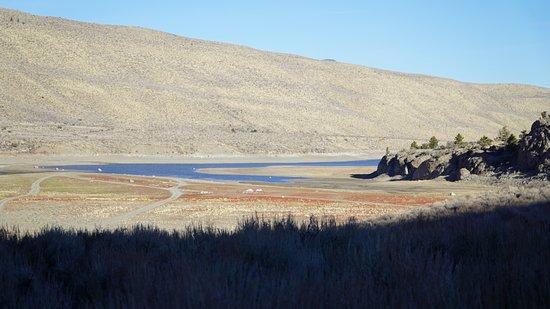 June Lake Loop: Вид на озеро Грант