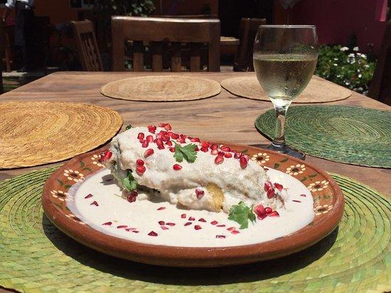 Restaurante el apapacho mexican restaurant azteca sur for El mural restaurante puebla