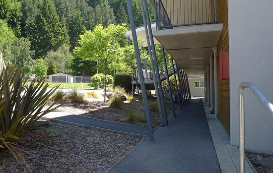 Queenstown Lakeview Holiday Park Picture