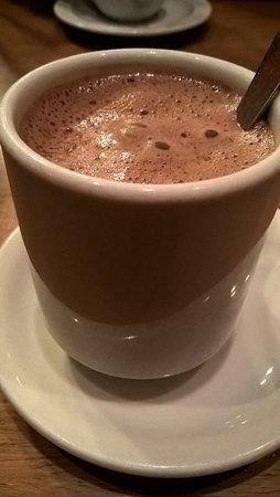 Laguna Negra Chocolates: Chocolate caliente. Riquísimo.