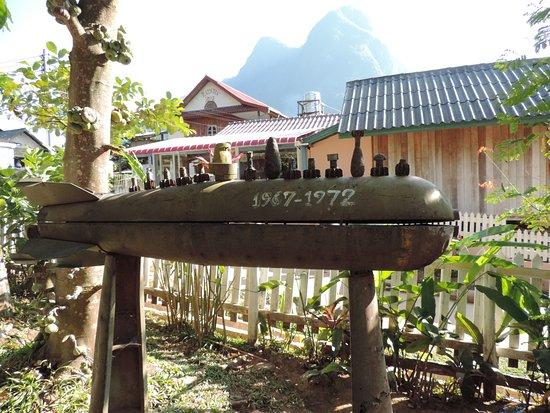 Muang Ngoi Neua, Laos: Bombs at the restaurant