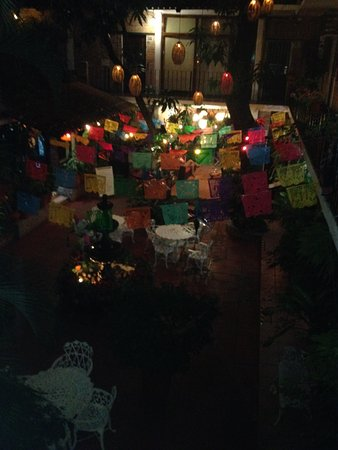 Hotel Posada de Roger: Colourful Oasis