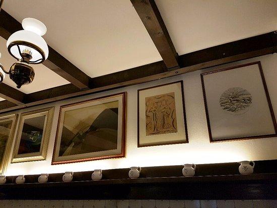Pareti Fotografie : Quadri alle pareti bild von ristorante pizzeria chichibio