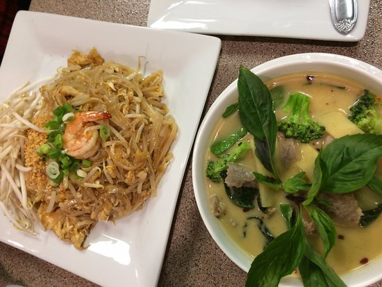 Sanford, ME: Pad Thai and Green Curry!