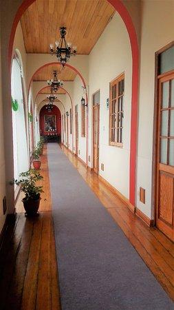 Don Bosco Hotel: pasadizos de acceso a habitaciones