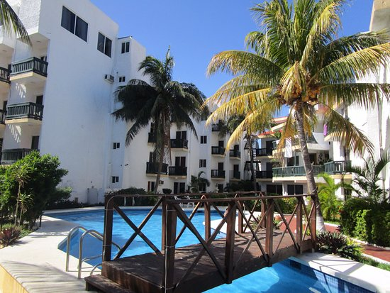 Beach House Imperial Laguna Cancún Hotel: Especios Verdes