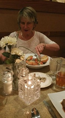 Sam's Restaurant and Lounge: Seafood Ravioli.
